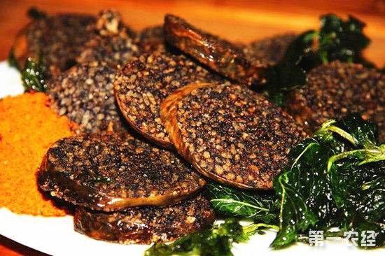 云南丽江特有风味食品——米灌肠