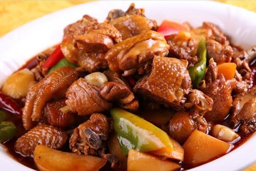曲靖麒麟区:带来财富的土鸡美味