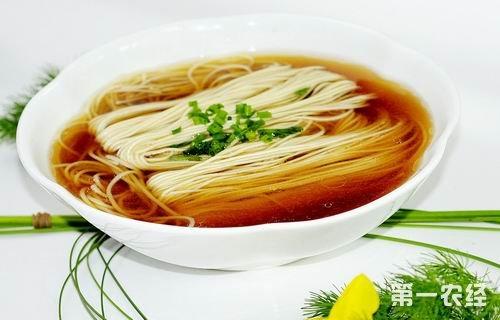 上海特色风味小吃:阳春面