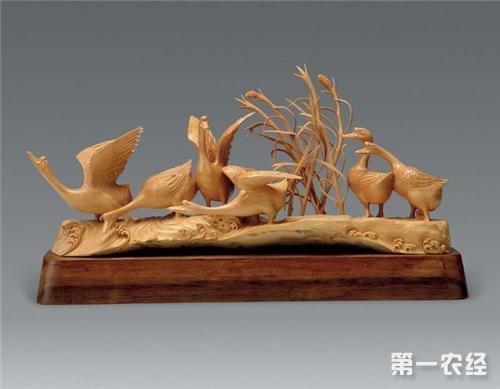 莆田木雕是福建莆田以各种木材及树根为材料而制出的雕刻艺术品