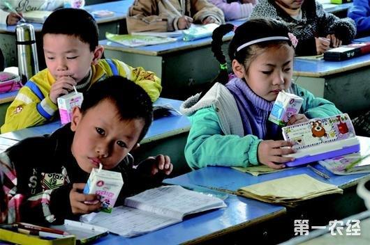 横林一幼儿园订给学生的牛奶竟然过期了