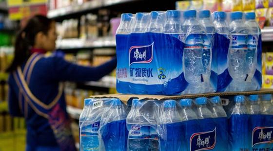 南京市民举报康师傅饮用水使用工业氮气  康师傅声明