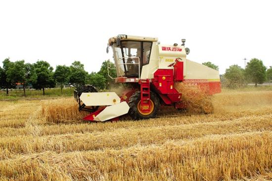 内蒙古乌海市:7000亩小麦全部机收完毕