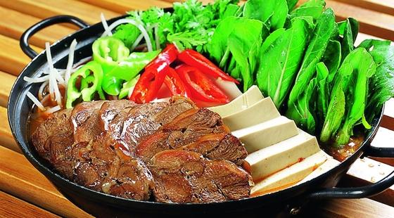 广东江门特产美食 台山炆狗肉的做法大全
