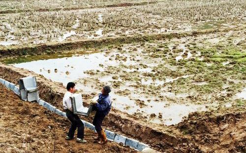 江西万载县:荒草地开发耕地促农增产增收