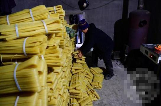 吉林:捣毁冷面黑加工窝点 取缔3000公斤冷面成品