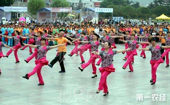场舞_除了主营视频分享提供广场舞爱好者观看学习外,广场舞爱好者还可以