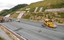 <b>甘肃:2017年目标建成农村公路1万公里</b>