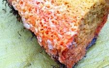 """街头""""岩蜂蜜""""功效好?专家提醒:多是白糖色素造假,小心食物中毒"""