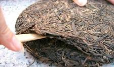 普洱茶的茶饼怎么弄开?