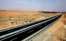 新疆:重点推进农村公路建设工作