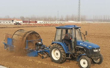 四川甘孜州:引进捡石机助力农业发展
