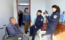 江苏泰州:为20名身患残疾的流浪乞讨人员办理落户手续