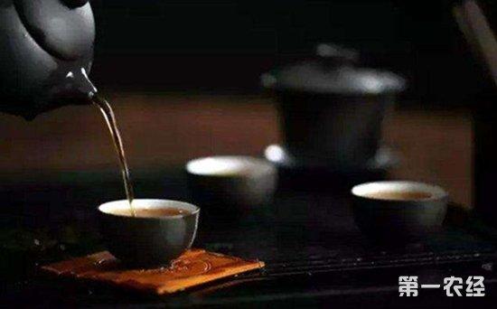 喝茶到底会造成钙流失,还是增强骨密度?