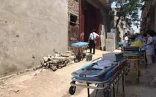 山东济南:村民建房发生坍塌10人被掩埋