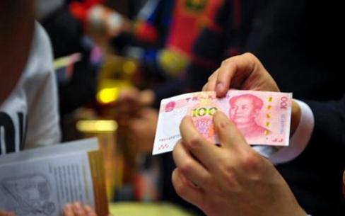 七省市提高2017年最低工资标准 多地突破2000元大关