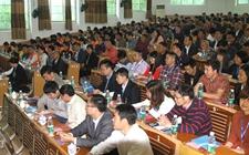 有五千多人同时参与马山县举行农村电商人才现场远程直播培训课