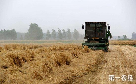 农业部组织开展2017年农机安全生产宣传咨询日活动