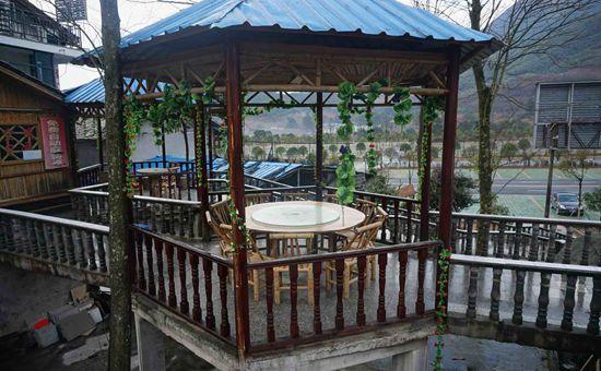 河南淅川:农村美食抓住游客心