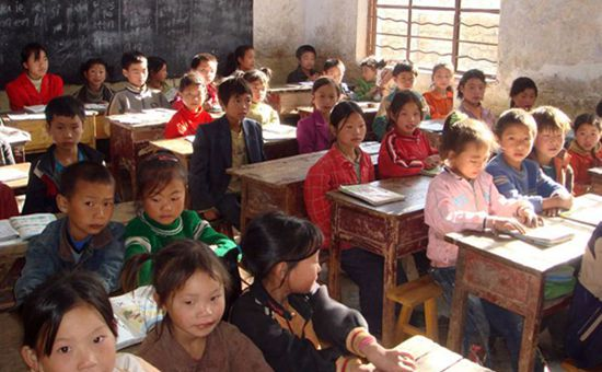 特困地区乡村教师生活补助总额5年翻两番