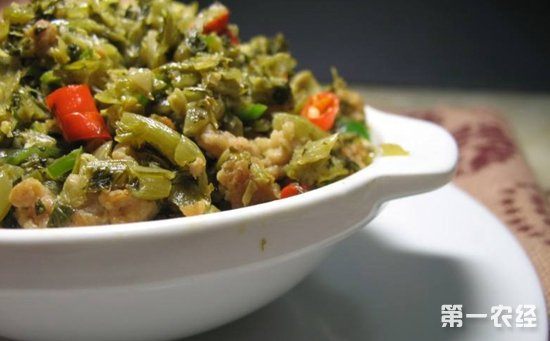 杭州:八旬老人食用咸菜后竟多处发紫  医生:为亚硝酸盐中毒