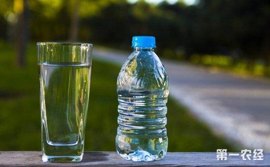 内蒙古:饮用水检出铜绿假单细胞  3批次不合格饮料被通报