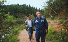 <b>贵州汪家庄村的张芳伟成为了乡亲致富的当家人</b>