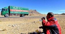 西藏网购配送服务不断升级, 网购数量和消费额增长加快