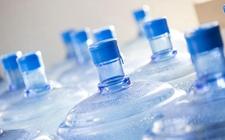 食安知识:喝桶装水会得软骨病?购买桶装水要注意这四点