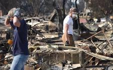 美国加州山火烧毁3500多座建筑 死亡人数不断攀升