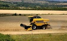 中俄跨境农业合作 俄百万亩大豆开始回运中国