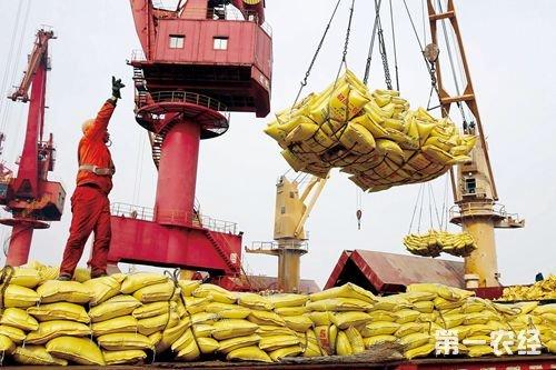2017年1-11月连云港进出口农资增幅明显