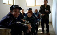 <b>目前安徽省老年人中超过7成在农村 农村养老问题十分严峻</b>