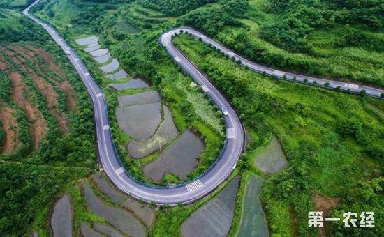 贵州明年将投资200亿元实施5万公里的通组路硬化工程