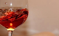 如何挑选桃红葡萄酒?挑选桃红葡萄酒的注意事项