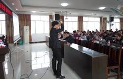 <b>广西小灵象承办灵山县电子商务进农村示范培训班在新圩镇免费开讲</b>