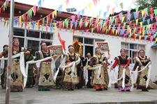 西藏粮食产量实现八连增 农村居民可支配收入破万元