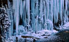 陕西旬邑县:女子回家乡参观冰挂被砸死