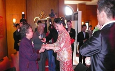 茶风茶俗:新娘为何在婚礼上向公婆敬茶?