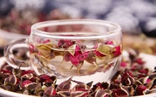玫瑰花茶的功效和作用有哪些?玫瑰花茶的功效和作用