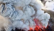 <b>日本新燃岳火山大规模喷发 震动幅度加剧恐引发大地震</b>