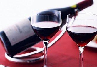 研究表明男性每天喝点红酒更有助于养生