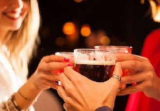 看着就醉了的各国特色的饮酒习俗