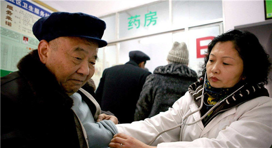 河南:力保农村不因病致贫 贫困户报销比例85%以上