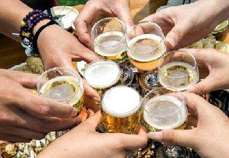 爱喝酒的朋友来看看 喝酒又不伤身的方法