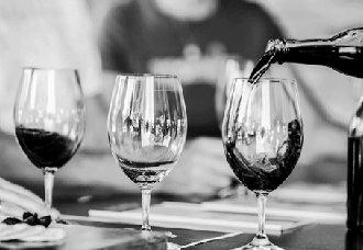 一天中最佳的喝酒时间是什么时候?一天最佳的饮酒量是多少?