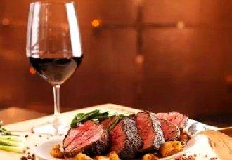 美酒配美食 煮鱼的时候加红酒更美味