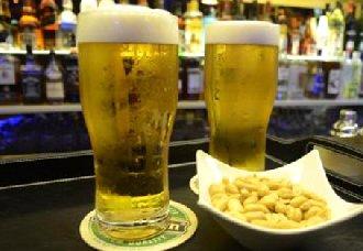 夏季喝啤酒有什么好处?夏天喝啤酒注意事项