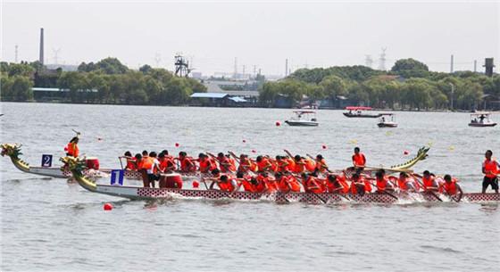 龙舟翻舟致17人遇难 民俗活动要加强安全意识