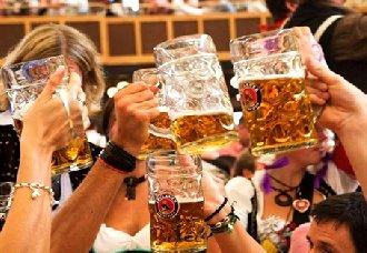 外国人和中国人喝酒有什么不同?酒文化